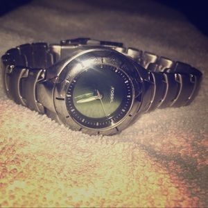 Ladies Fossil blue watch. Works great.